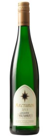 Bottle of Gruner Veltliner that links to our white wines in our online store.