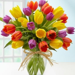 Example of a colorful bouquet of tulips that can be added to your Mother's Day Brunch To-Go order.